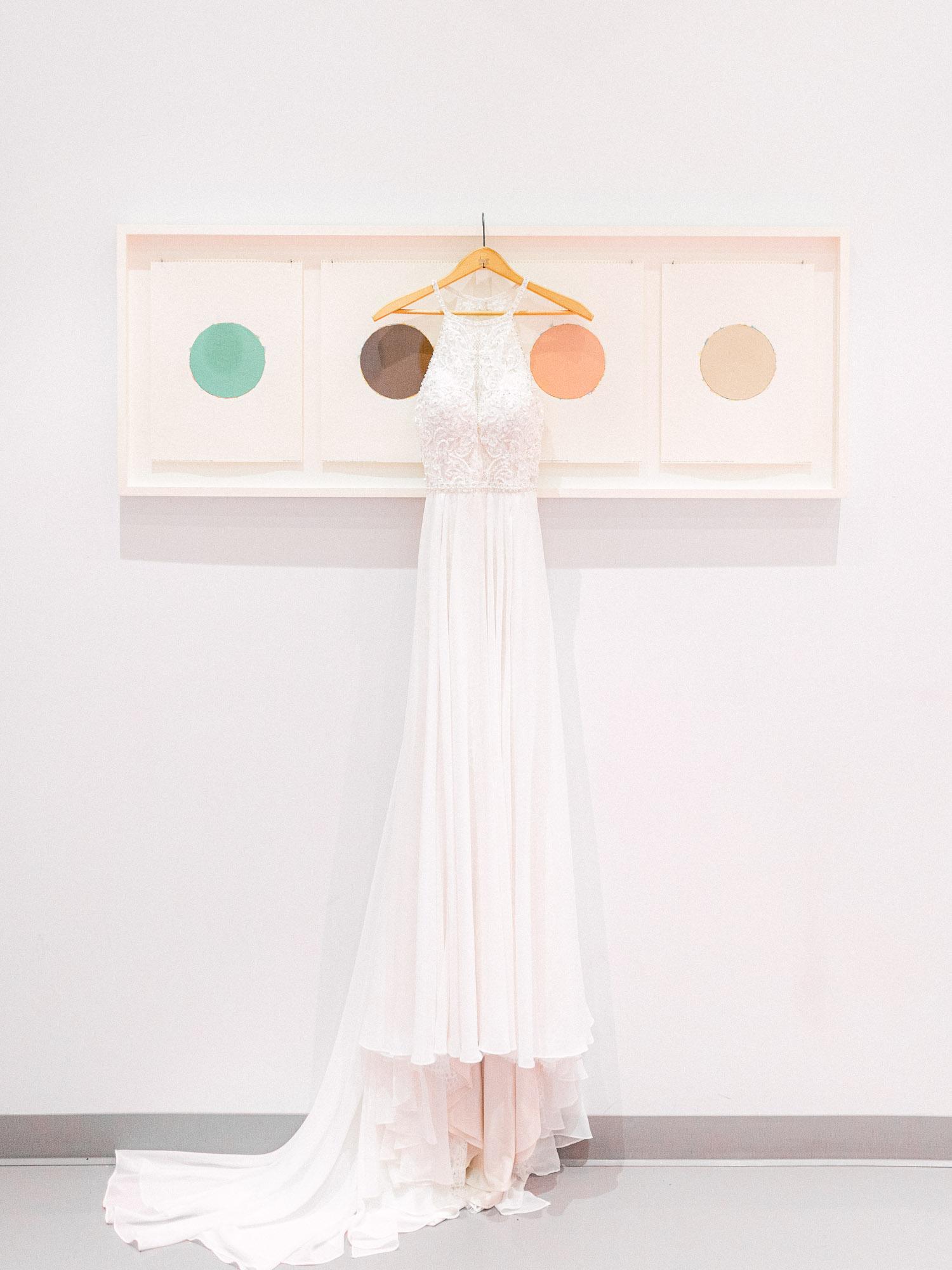robe de mariage au musée mnbaq dans ville de Québec
