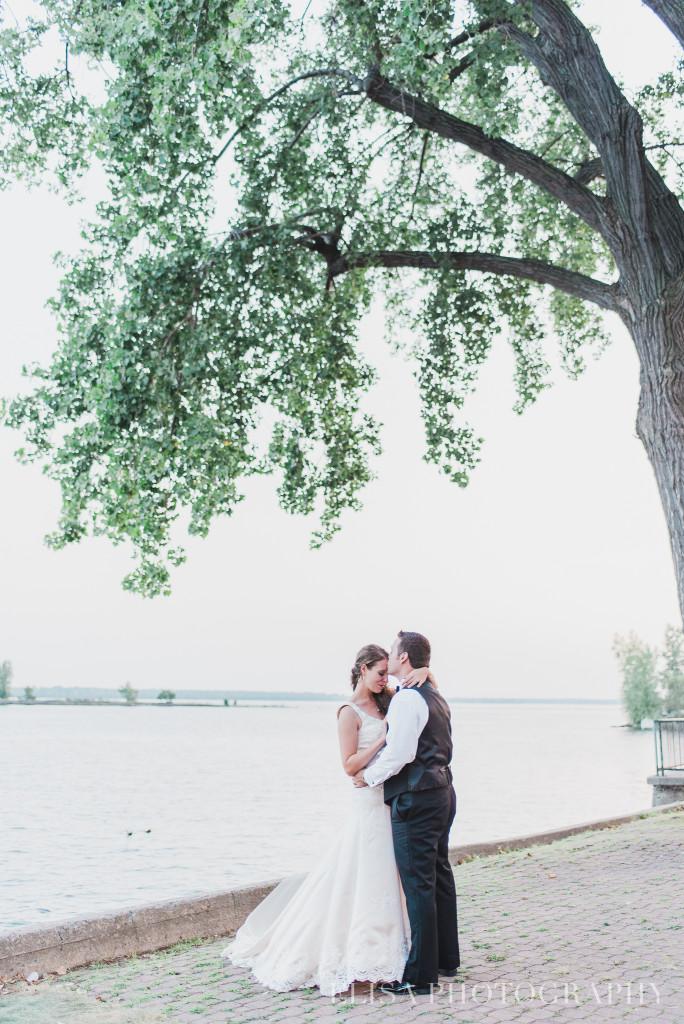 couple-couché-de-soleil-photo-mariage-0005