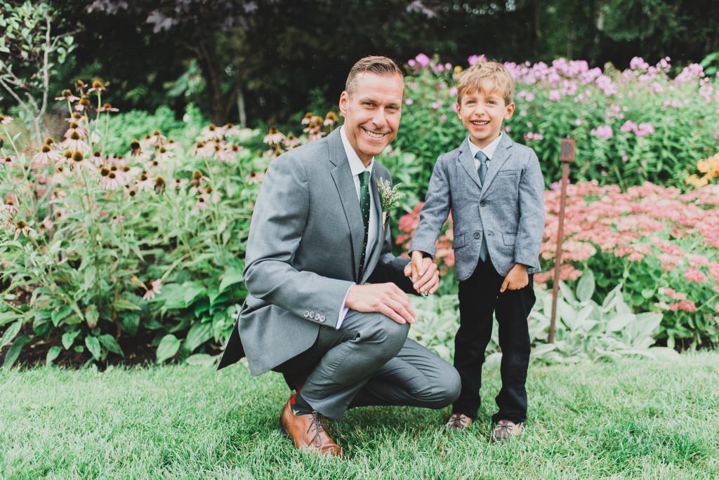 photo-mariage-preparation-du-marié-boutons-manchettes-0002