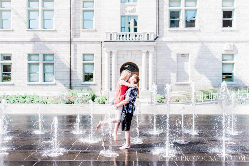 couple-fiancailles-engagement-vieux-quebec-chateau-frontenac-photo-5502
