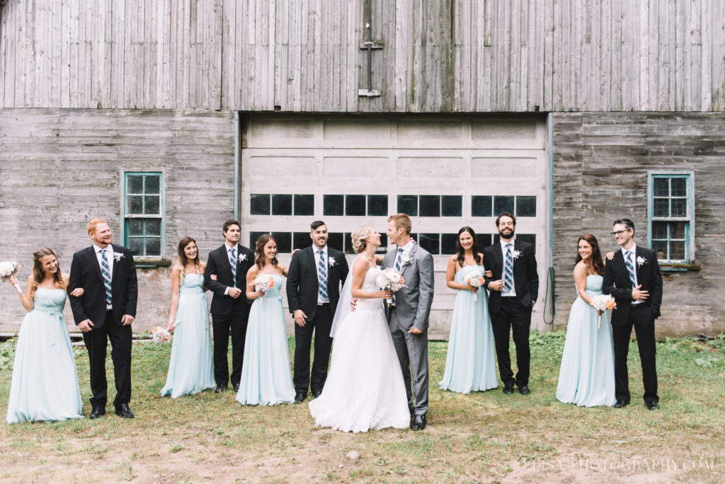 mariage-duchesnay-first-look-cortege-grange-photo-2-4
