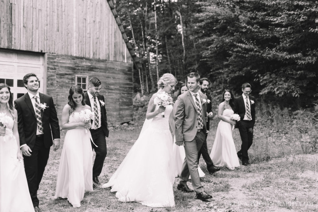 mariage-duchesnay-first-look-cortege-grange-photo-2-5
