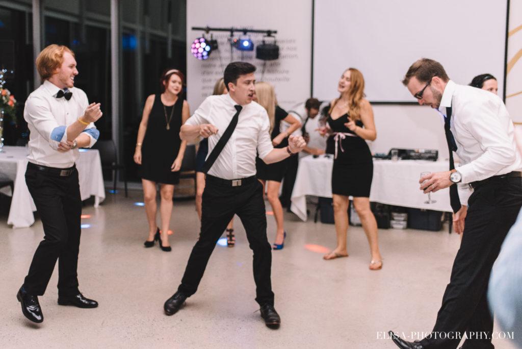 mariage-salle-de-reception-danse-party-raisins-rose-vignoble-orpailleur-dunham-photo-5069