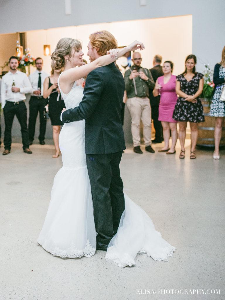 mariage-salle-de-reception-discours-raisins-rose-vignoble-orpailleur-dunham-photo-4924