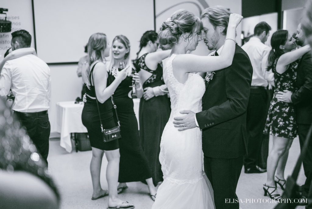 mariage-salle-de-reception-discours-raisins-rose-vignoble-orpailleur-dunham-photo-4935