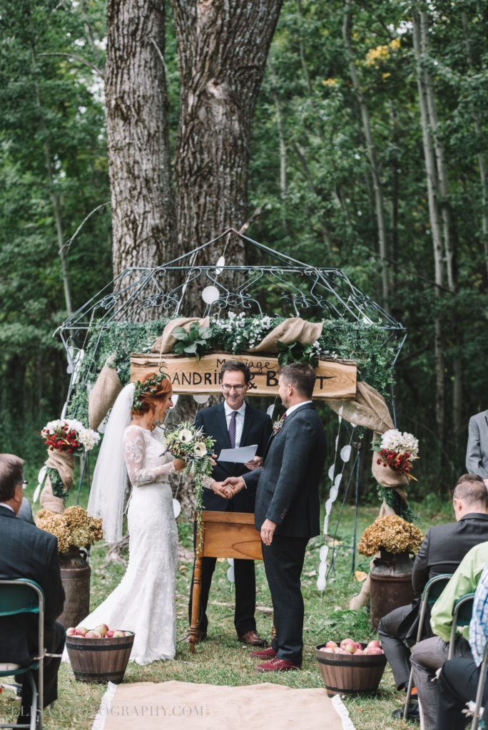 mariage-ceremonie-ceremony-pommes-apple-domaine-verger-dunham-photo-7012