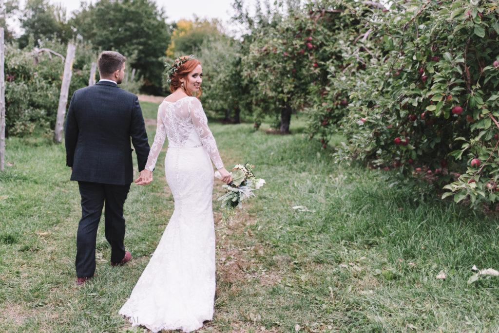 mariage-portrait-couple-pommes-apple-domaine-verger-dunham-photo-7322