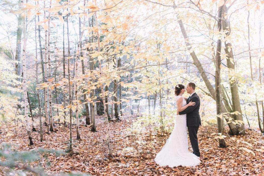 mariage-quebec-baie-de-beauport-automne-reception-bar-a-poutine-photo-2031