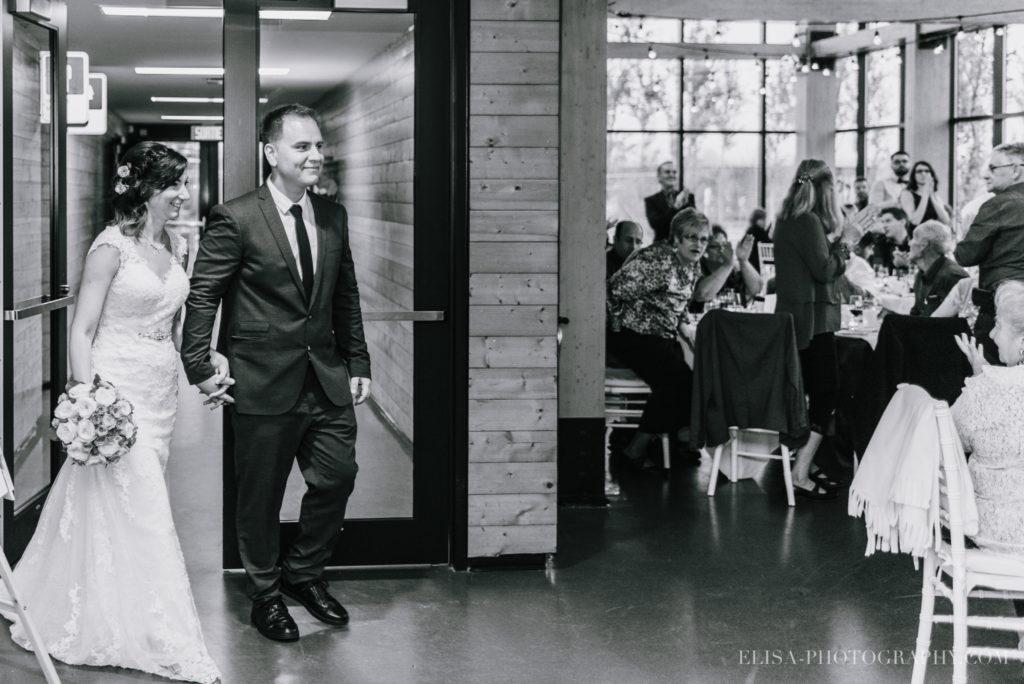mariage-quebec-baie-de-beauport-automne-reception-entree-des-maries-photo-0060