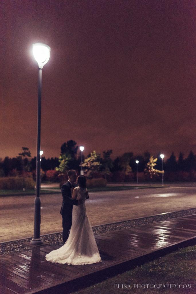 mariage-quebec-baie-de-beauport-automne-reception-portraits-maries-nuit-film-photo-0360