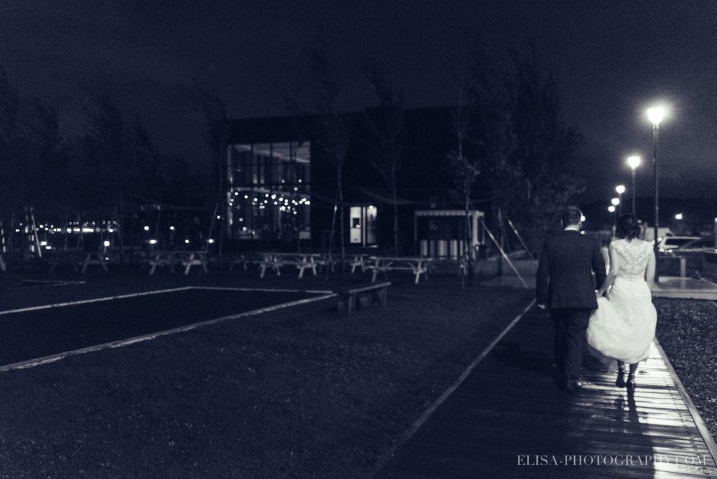 mariage-quebec-baie-de-beauport-automne-reception-portraits-maries-nuit-film-photo-0366