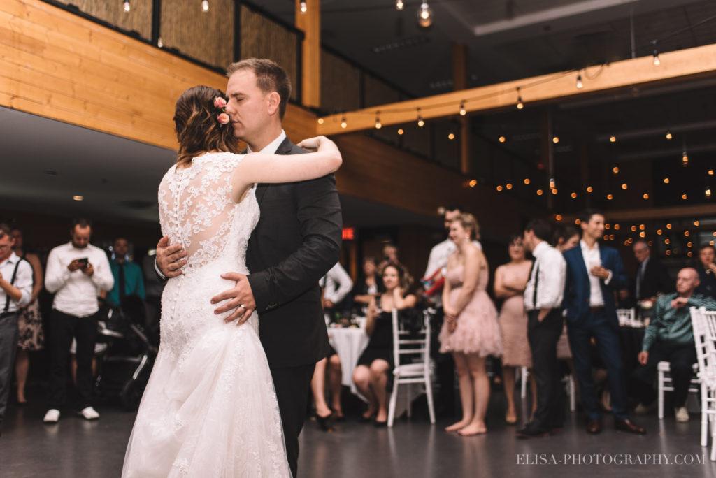 mariage-quebec-baie-de-beauport-automne-reception-premiere-danse-photo-0413