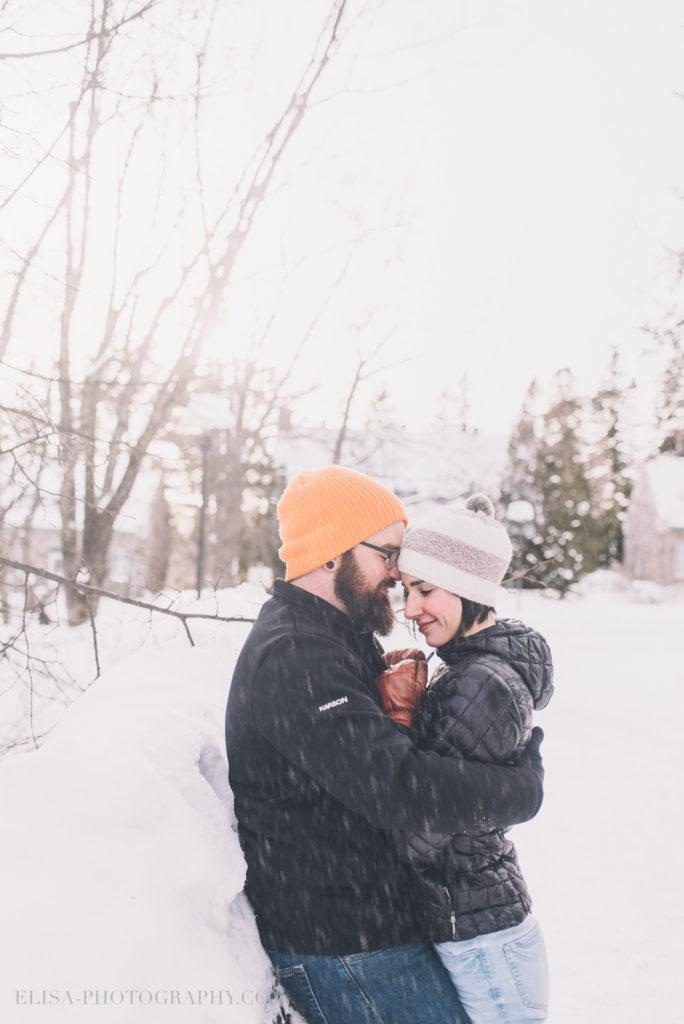 fiancailles ville quebec hiver winter engagement hot chocolate chocolat chaud photo 1 1 684x1024 - Séance fiançailles dans la neige: Audrey-Ann + Pascal