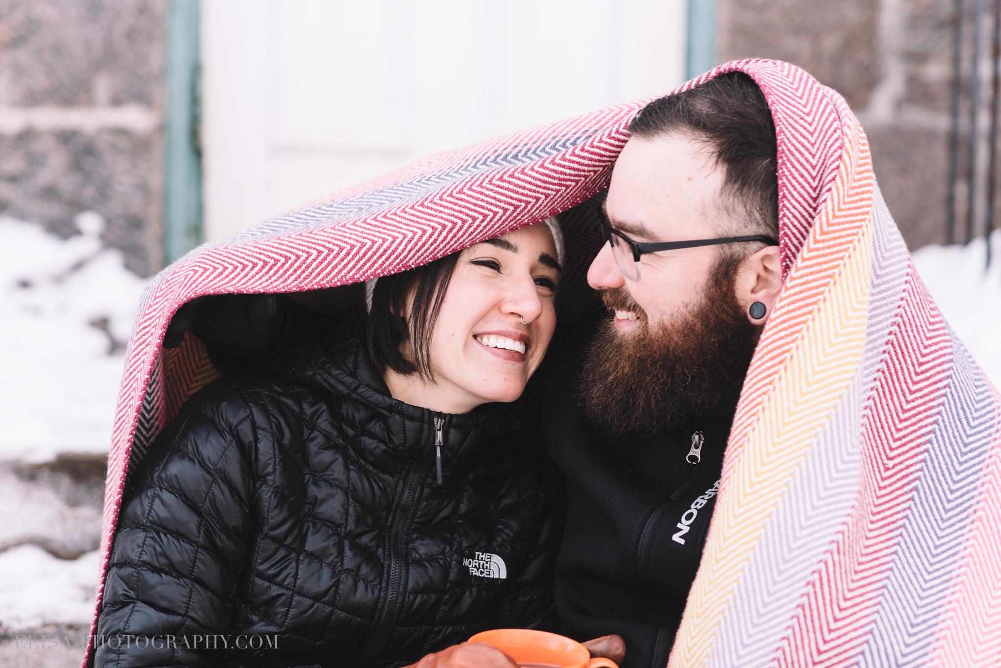 hiver fiançaille sous une couverte under a blanket engagement quebec photo