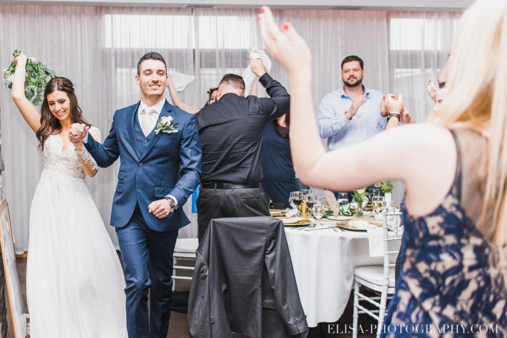 mariage classique réception entrée des mariés auberge des gallants rigaud photo 3121 1024x684 - Mariage bohème sur le bord de l'eau, Rigaud: Natacha & Pierre-Alexandre