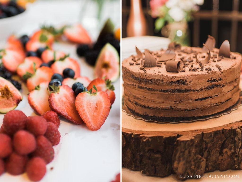 MARIAGE francais gateau fruits dessert chalet bois rond québec photo 7782 1024x768 - Mariage avec une touche vintage dans un chalet en bois ronds: Marine & François-Rémi