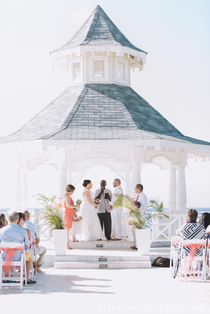 mariage de rêve à destination cérémonie mariée mer grand bahia principe jamaïque photo 4893 684x1024 - Un mariage de rêve à destination de la Jamaïque: Mindy & Mathieu