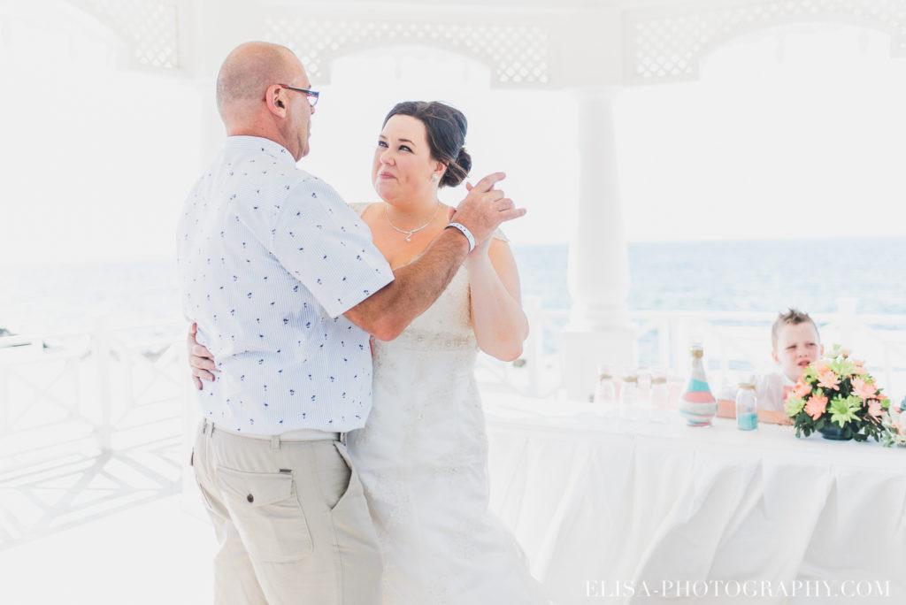 mariage de rêve à destination danse père de la mariée caraïbes grand bahia principe jamaïque photo 5180 1024x684 - Un mariage de rêve à destination de la Jamaïque: Mindy & Mathieu