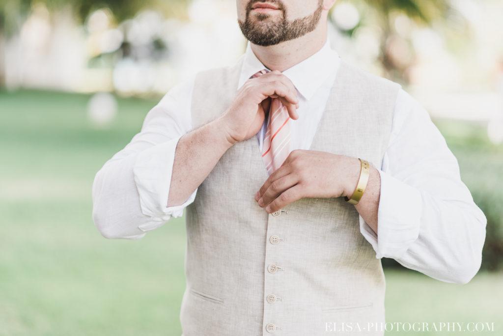 mariage de rêve à destination groom cravate marié préparation grand bahia principe jamaïque photo 4719 1024x684 - Un mariage de rêve à destination de la Jamaïque: Mindy & Mathieu