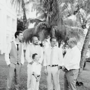 mariage de rêve à destination groom cravate marié préparation grand bahia principe jamaïque photo 4744 300x300 - Galerie à destination