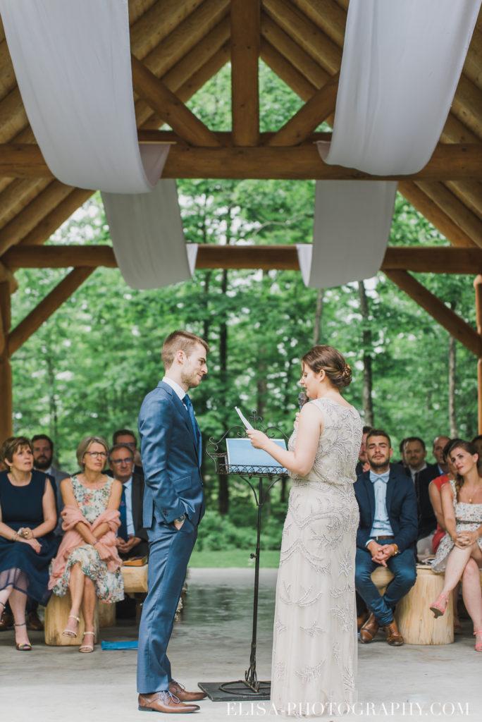 mariage français cérémonie chalet bois rond québec photo 7085 684x1024 - Mariage avec une touche vintage dans un chalet en bois ronds: Marine & François-Rémi