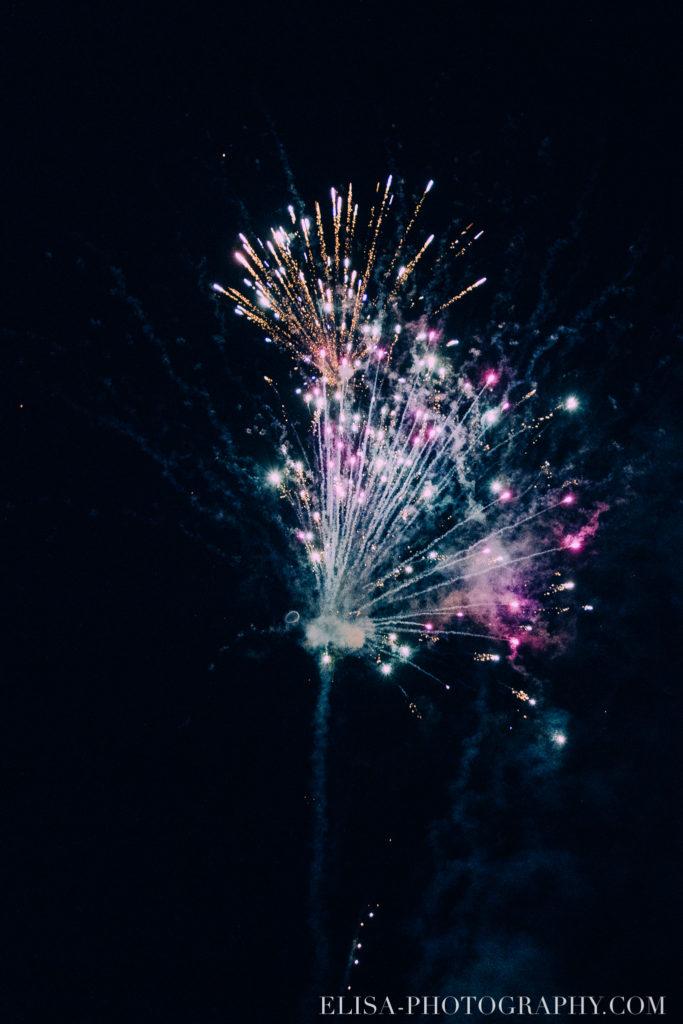mariage français réception feu d artifices fireworks chalet bois rond québec photo 4971 683x1024 - Mariage avec une touche vintage dans un chalet en bois ronds: Marine & François-Rémi