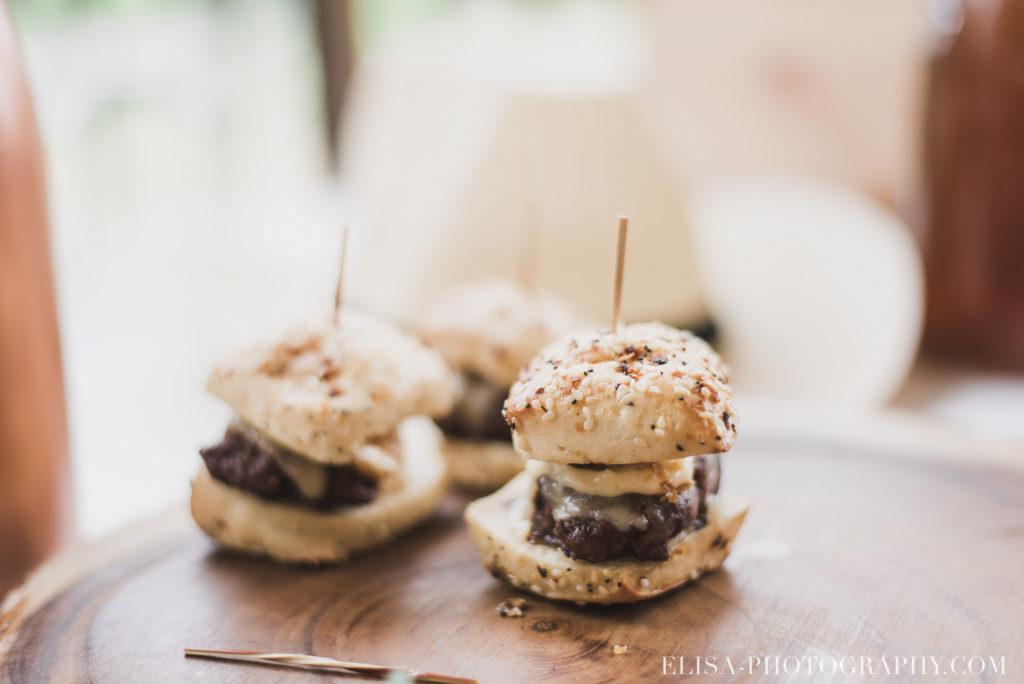 mariage français réception hamburger chalet bois rond québec photo 7831 1024x684 - Mariage avec une touche vintage dans un chalet en bois ronds: Marine & François-Rémi