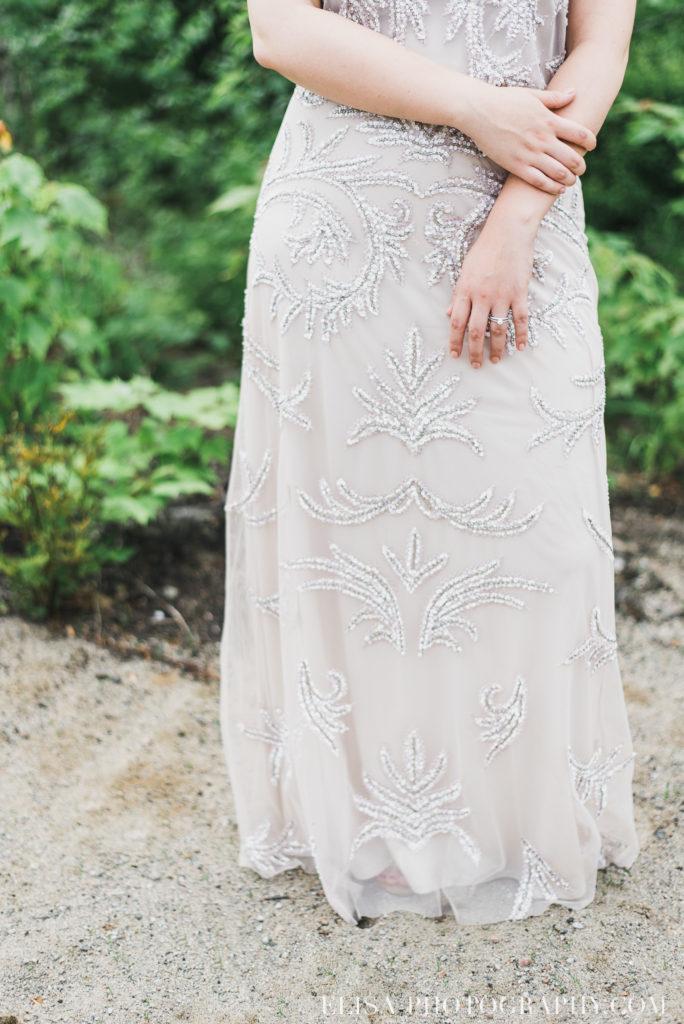 mariage francais robe mariée beige vintage chalet bois rond québec photo 7782 684x1024 - Mariage avec une touche vintage dans un chalet en bois ronds: Marine & François-Rémi