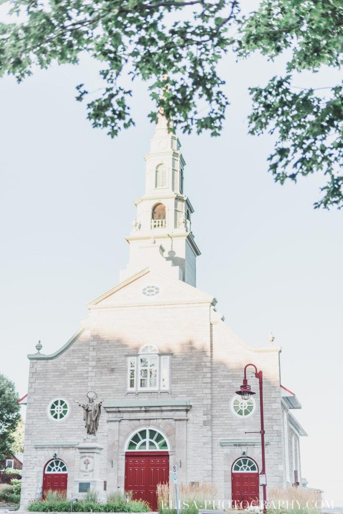 fiançailles église grange rustique ile orléans photos 9678 684x1024 - Fiançailles à l'île d'Orléans: Claudia + Jack