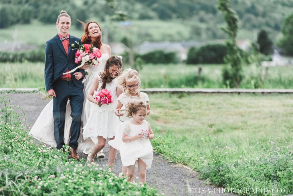 mariage cérémonie arrivée mariée famille enfants le germain charlevoix photo 8845 1024x684 - Mariage en toute élégance à l'hôtel Le Germain de Charlevoix: Véronique & Eric