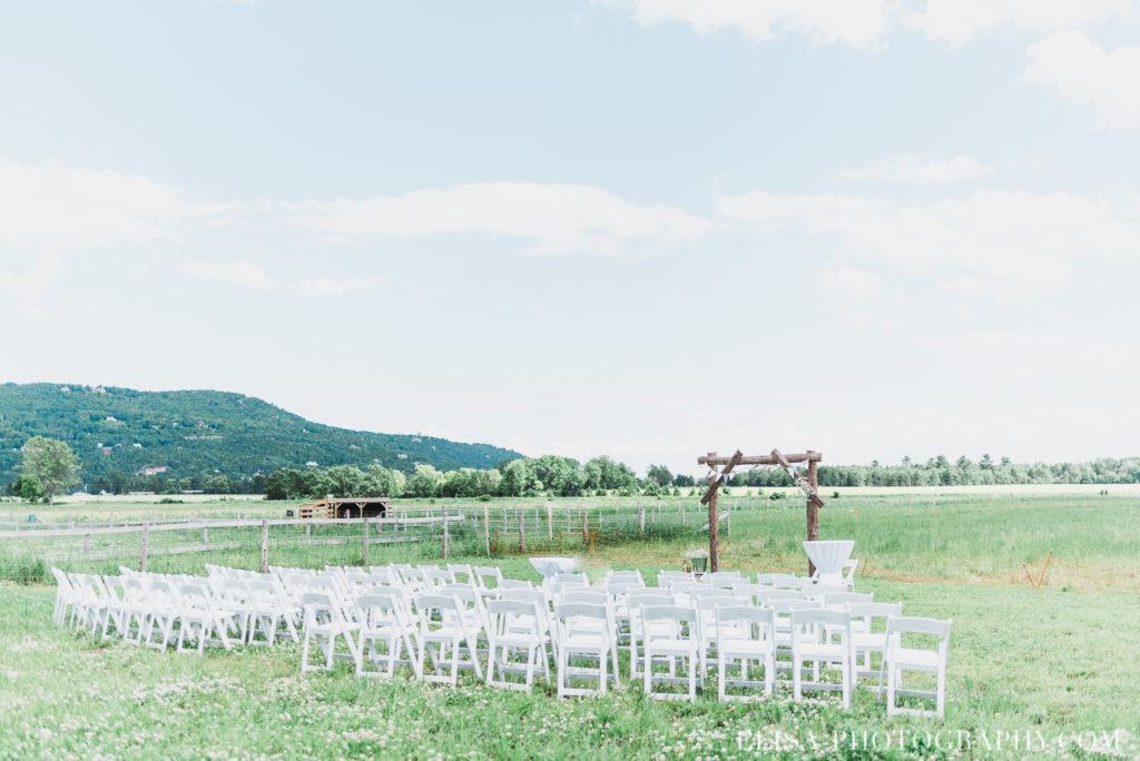 mariage cérémonie champs montagne le germain charlevoix photo 8456 1024x684 - Mariage en toute élégance à l'hôtel Le Germain de Charlevoix: Véronique & Eric