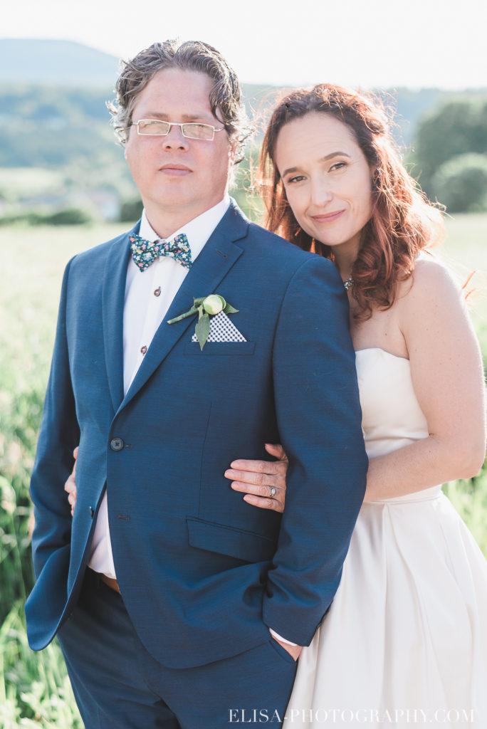 mariage portrait couple mariés montagne champs le germain charlevoix photo 9701 684x1024 - Mariage en toute élégance à l'hôtel Le Germain de Charlevoix: Véronique & Eric