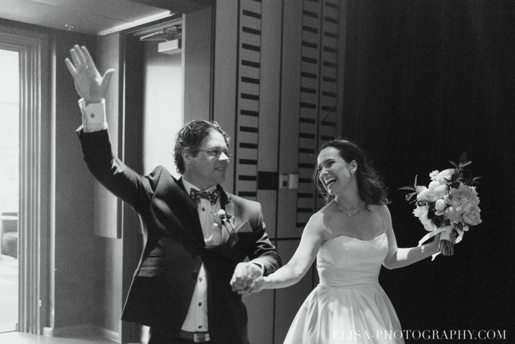mariage réception entrée des mariés le germain charlevoix photo 9873 1024x684 - Mariage en toute élégance à l'hôtel Le Germain de Charlevoix: Véronique & Eric