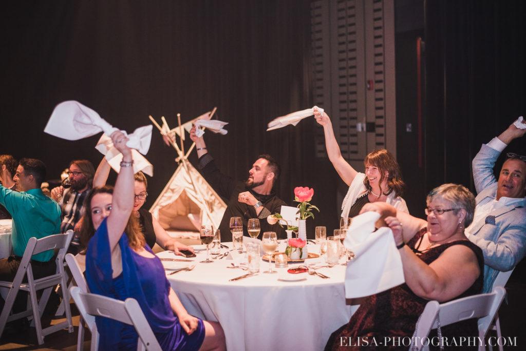 mariage réception entrée des mariés le germain charlevoix photo 9887 1024x684 - Mariage en toute élégance à l'hôtel Le Germain de Charlevoix: Véronique & Eric