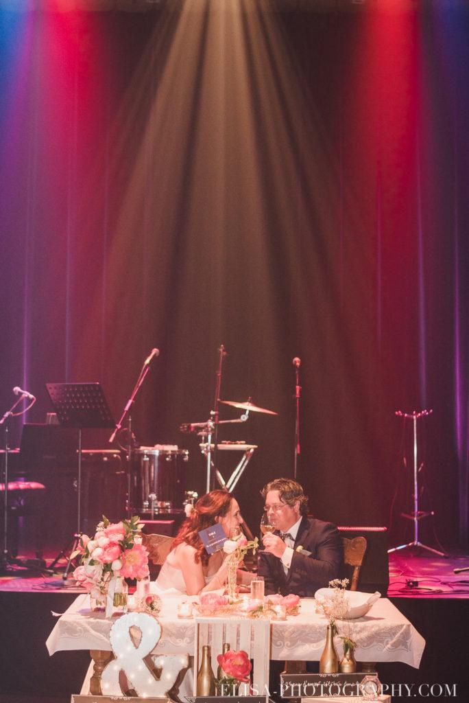 mariage réception entrée des mariés le germain charlevoix photo 9889 684x1024 - Mariage en toute élégance à l'hôtel Le Germain de Charlevoix: Véronique & Eric