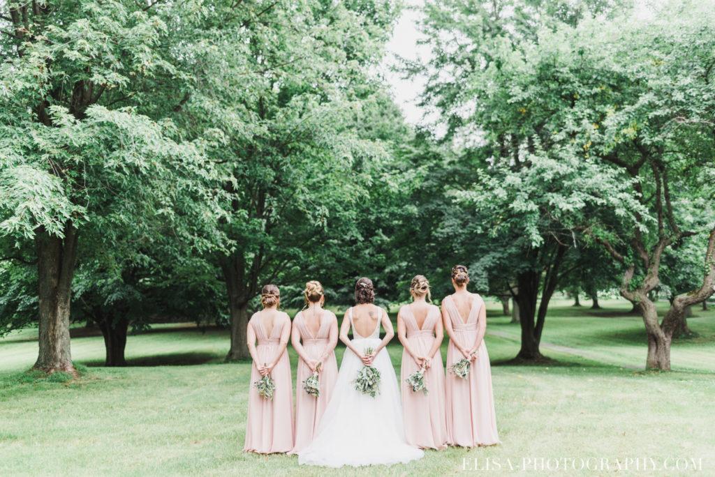 photo mariage demoiselles honneur mariée bouquets vieux presbytère batiscan 2353 1024x684 - Mariage au vieux presbitère de Batiscan: Cindy & Dany