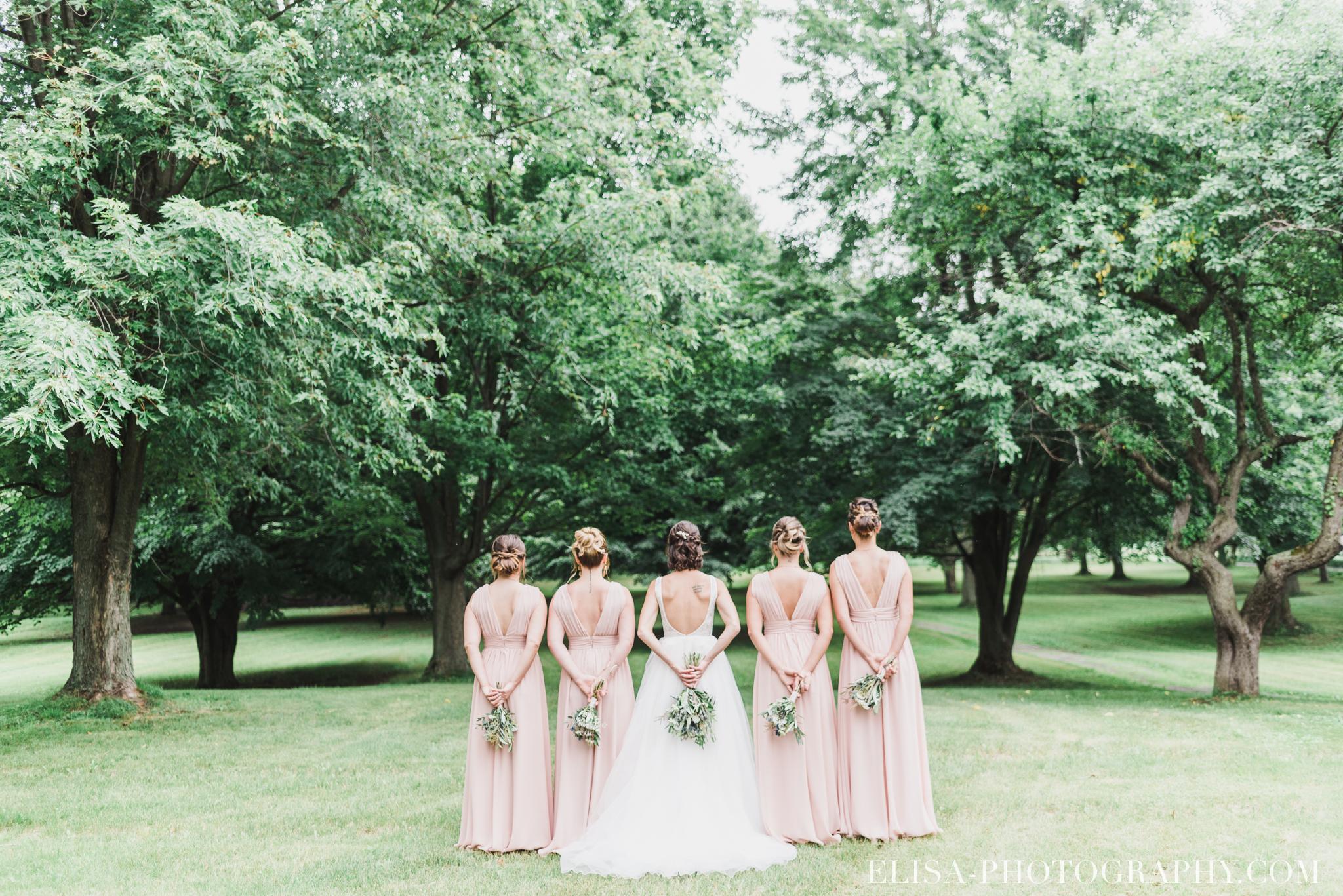 photo mariage demoiselles honneur mariée bouquets vieux presbytère batiscan 2353 - Galerie photos de mariage