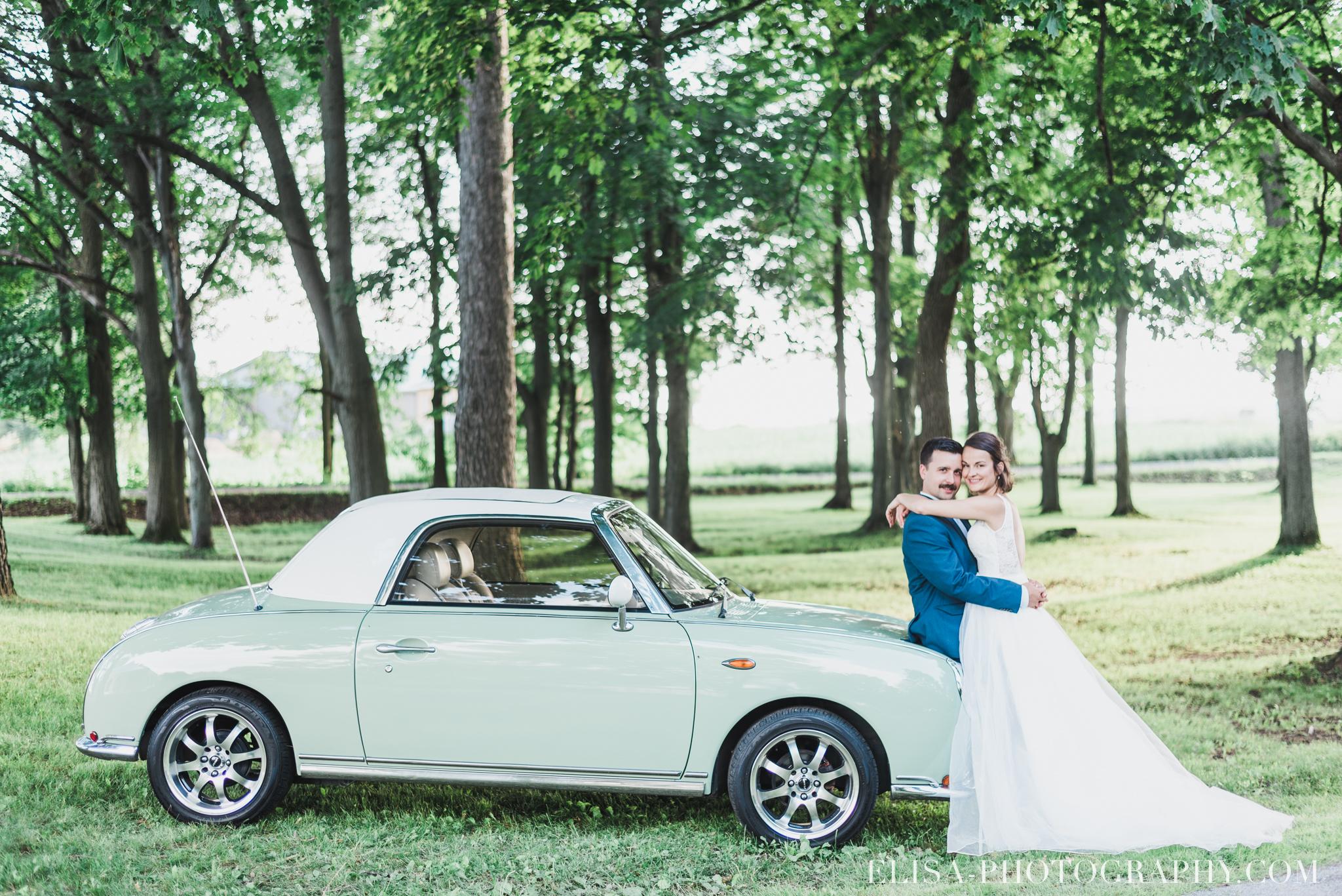 photo mariage portrait des mariés vielle auto époque antiquité vieux presbytère batiscan 3325 - Galerie photos de mariage