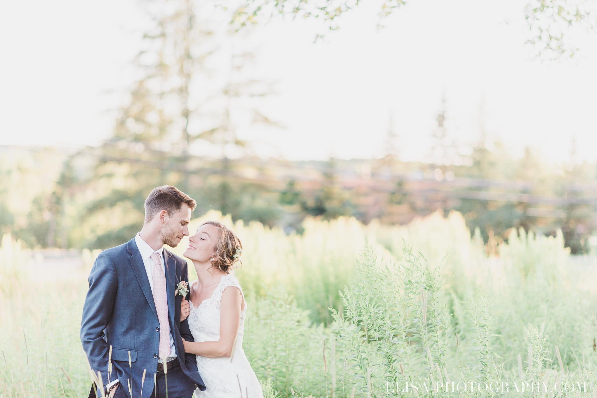 photo couple mariage champs station duchesnay ville de québec 5723 - Chronologie d'un mariage | Horaire idéal pour vos photos