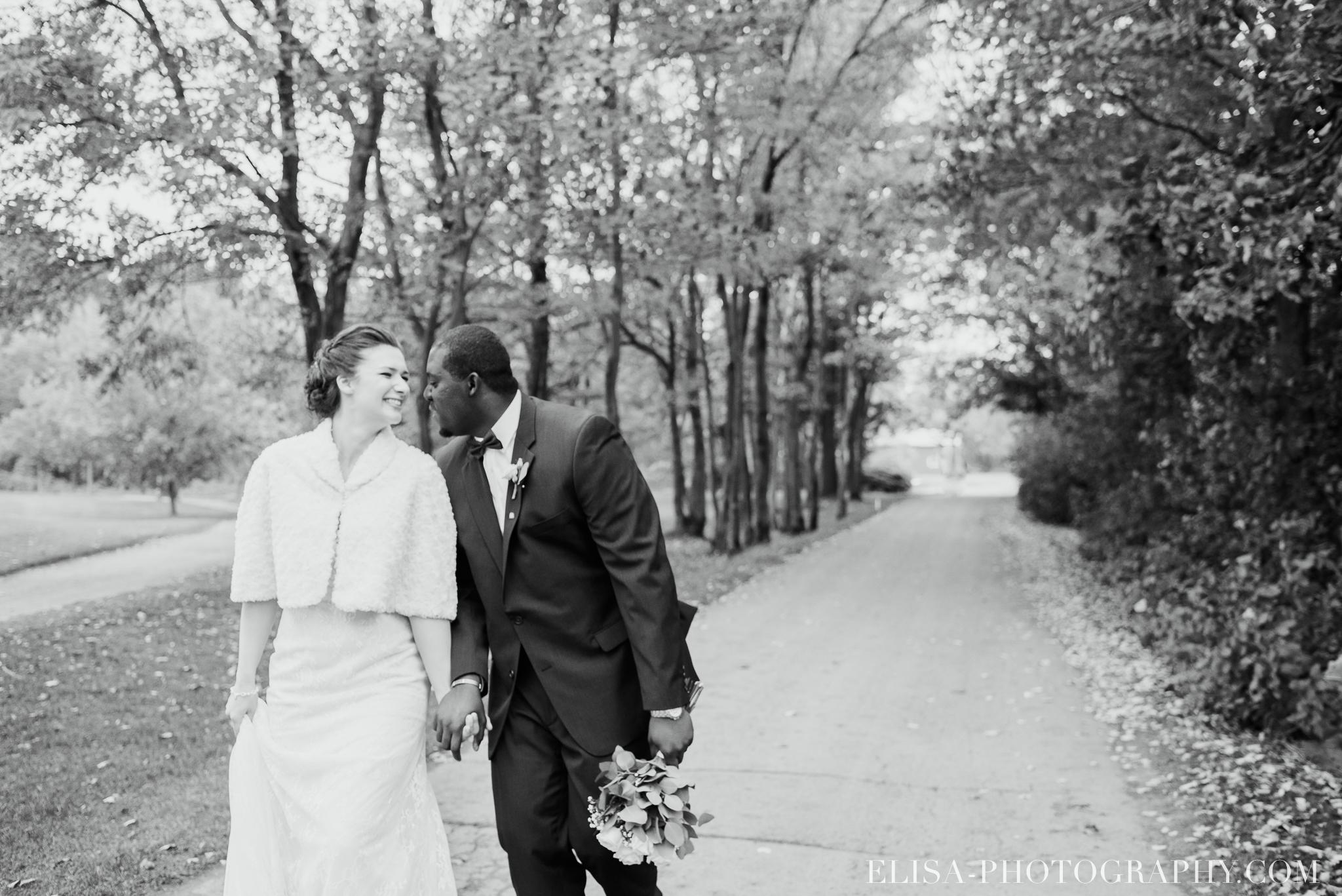 photo mariage golf cap rouge ville quebec bouquet roses blanches couple portrait automne 8142 - Mariage au Golf de Cap-Rouge, ville de Québec: Stéphanie & William