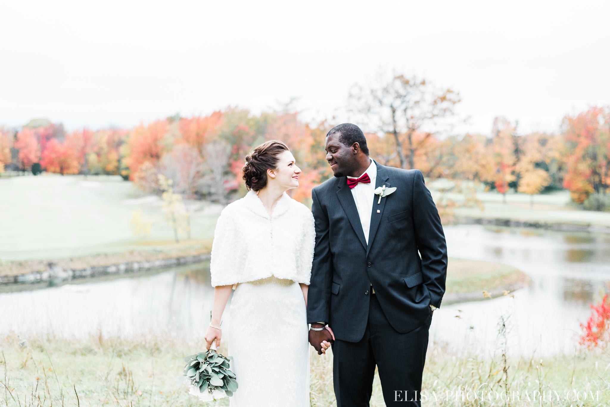photo mariage golf cap rouge ville quebec bouquet roses blanches couple portrait automne 8206 - Mariage au Golf de Cap-Rouge, ville de Québec: Stéphanie & William