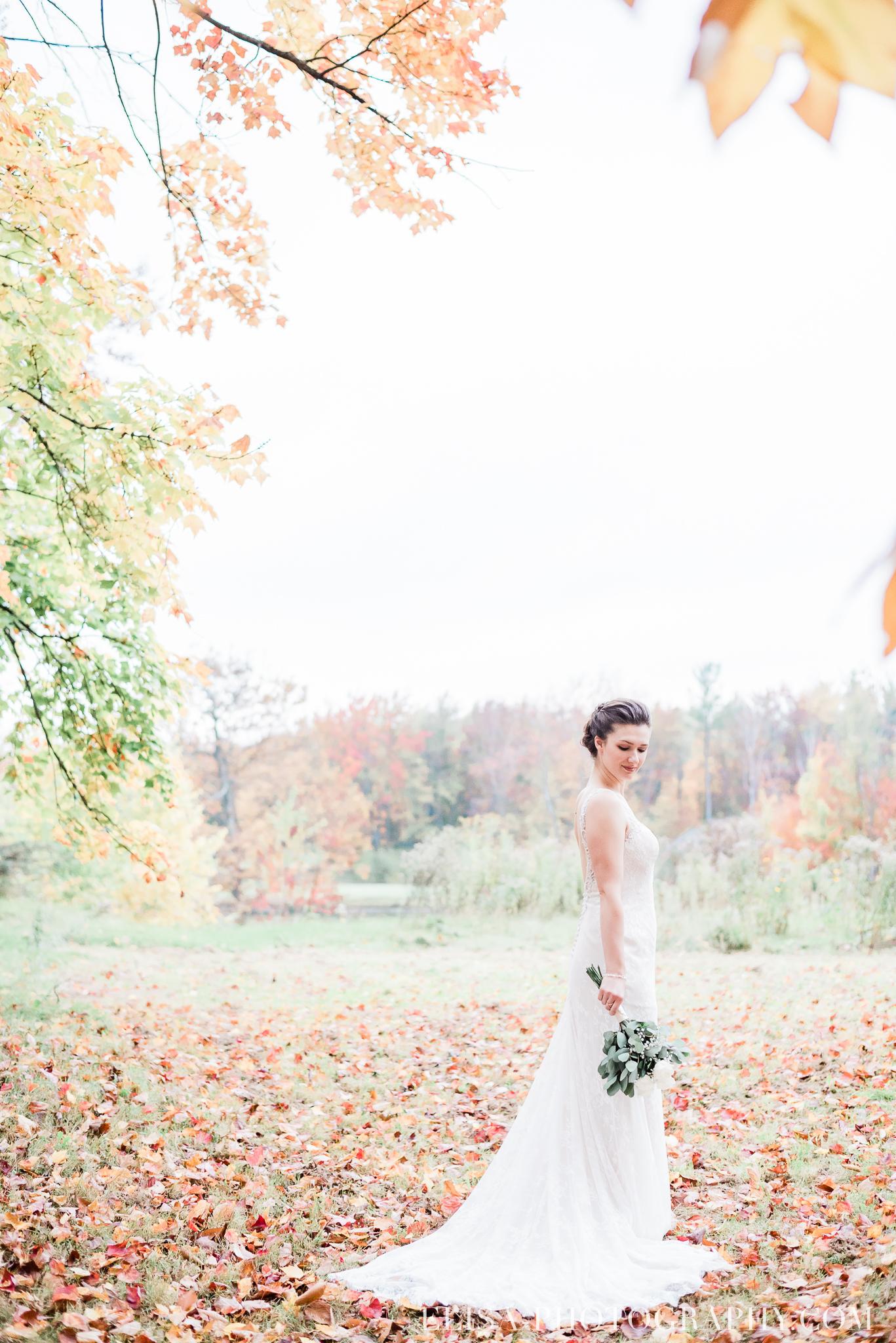 photo mariage golf cap rouge ville quebec bouquet roses blanches couple portrait automne 8254 - Mariage au Golf de Cap-Rouge, ville de Québec: Stéphanie & William