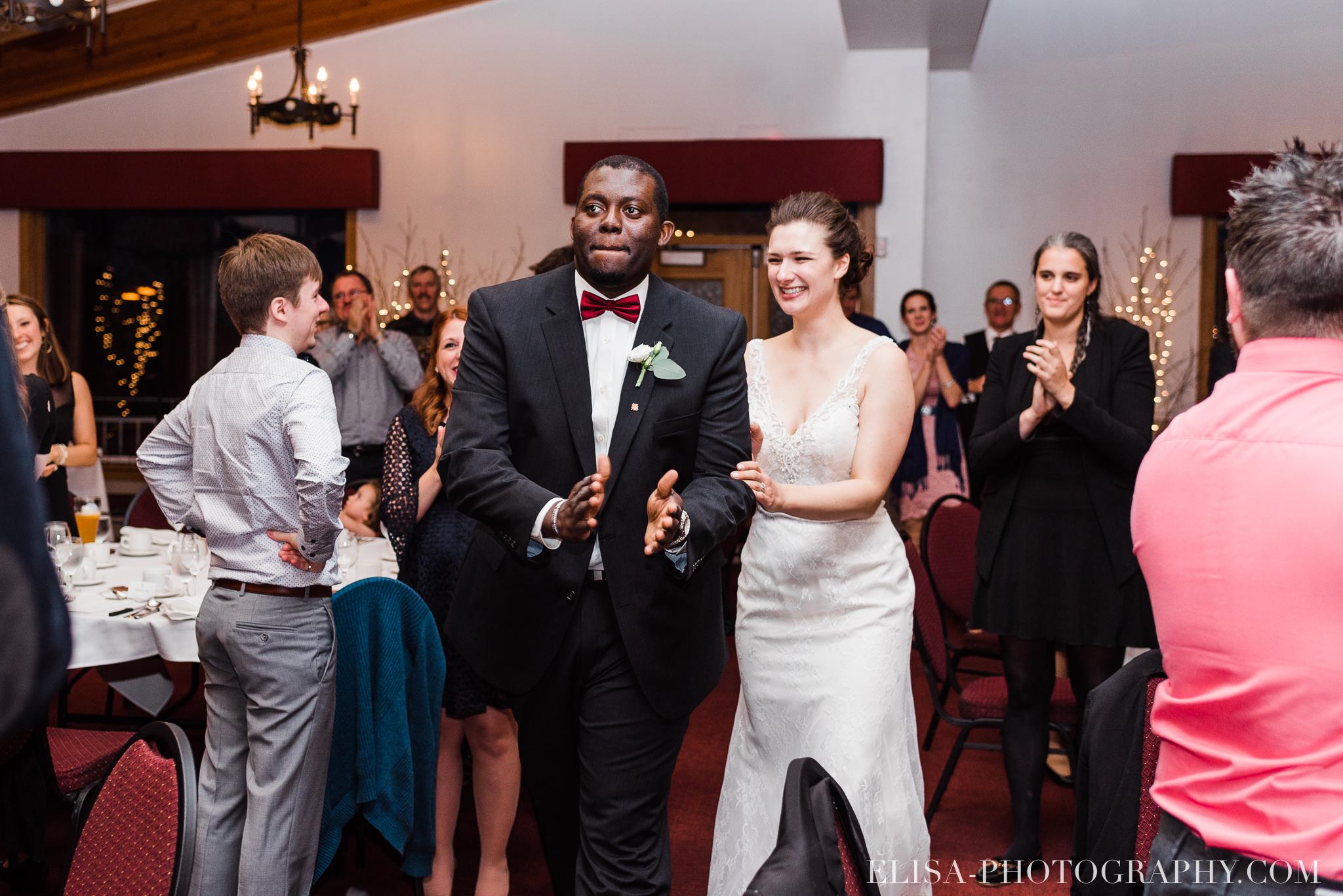 photo mariage reception toast coupe du gateau ville de quebec golf de cap rouge 8410 - Mariage au Golf de Cap-Rouge, ville de Québec: Stéphanie & William