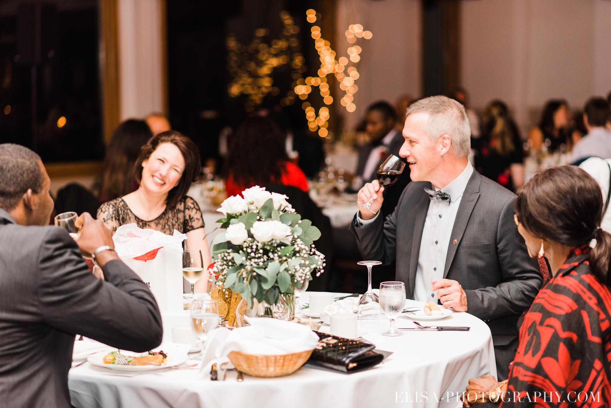 photo mariage reception toast coupe du gateau ville de quebec golf de cap rouge 8454 - Mariage au Golf de Cap-Rouge, ville de Québec: Stéphanie & William