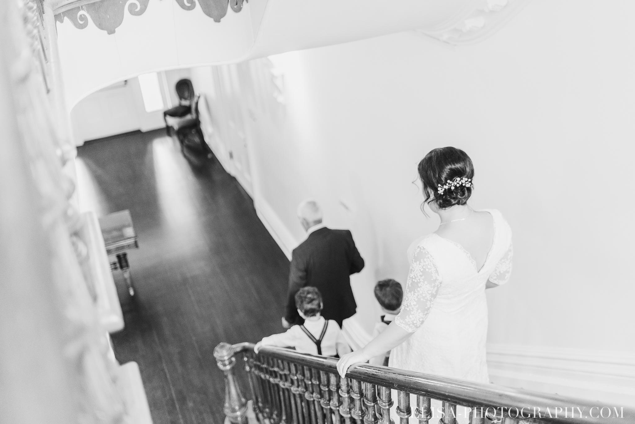 photo mariage domaine cataraqui wedding echange bagues voeux salle ceremonie 2200 - Mariage d'inspiration anglaise au domaine Cataraqui