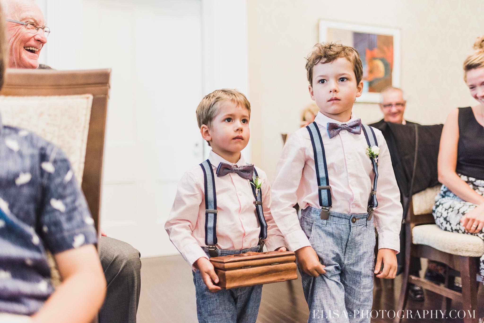 photo mariage domaine cataraqui wedding echange bagues voeux salle ceremonie 2210 - Mariage d'inspiration anglaise au domaine Cataraqui