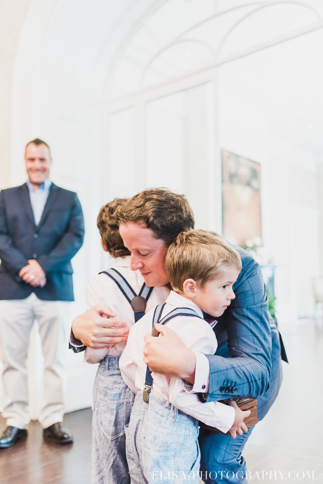 photo mariage domaine cataraqui wedding echange bagues voeux salle ceremonie 2214 - Mariage d'inspiration anglaise au domaine Cataraqui