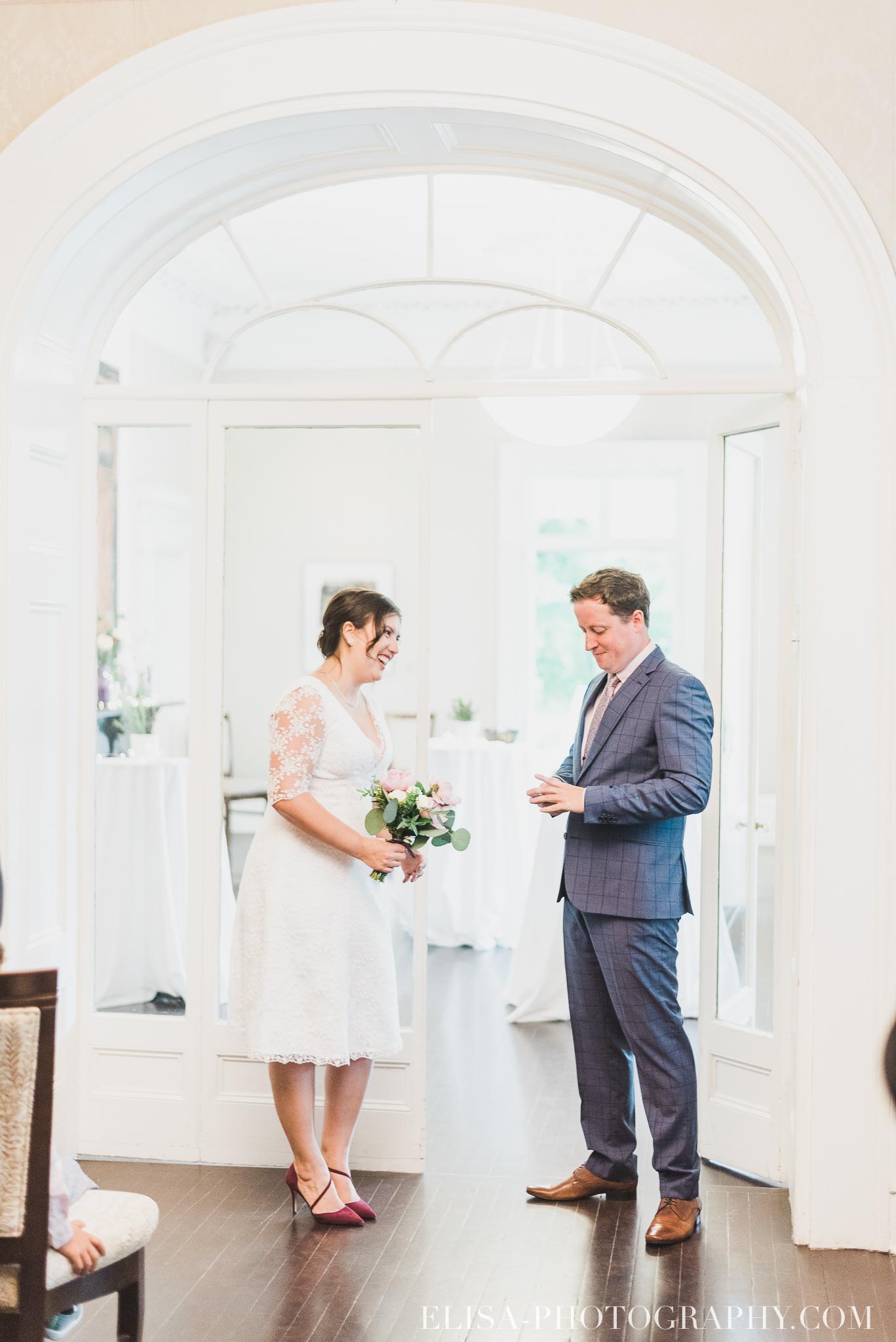 photo mariage domaine cataraqui wedding echange bagues voeux salle ceremonie 2275 - Mariage d'inspiration anglaise au domaine Cataraqui