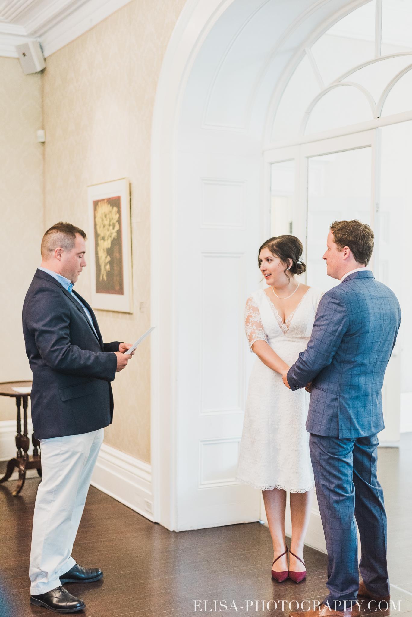 photo mariage domaine cataraqui wedding echange bagues voeux salle ceremonie 2328 - Mariage d'inspiration anglaise au domaine Cataraqui