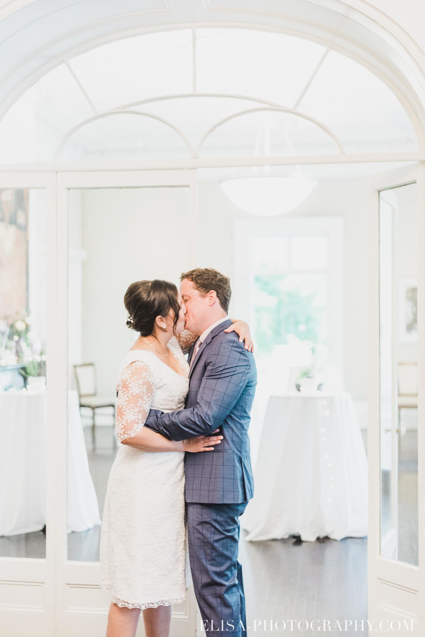 photo mariage domaine cataraqui wedding echange bagues voeux salle ceremonie 2352 - Mariage d'inspiration anglaise au domaine Cataraqui
